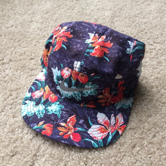 5692c589df6 Nike Mens Japanese Floral Hat